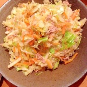 キャベツと豚肉のナンプラービーフン炒め