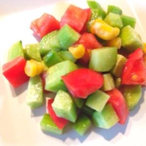 ポン酢で作るトマトとキュウリの簡単和風ドレサラダ