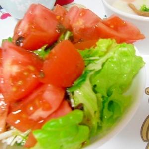 トマトと水菜とレタスのサラダ