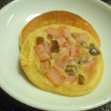ハムと煎り大豆のヘルシー大豆粉パンケーキ♪