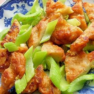 イカ玉ねぎ揚げ&セロリの生姜炒め♪(砂糖少々)