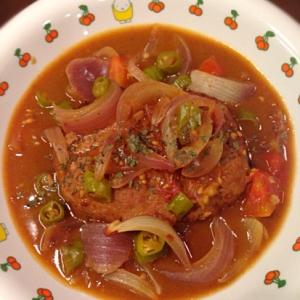 夏野菜で*彩りカレー煮込みハンバーグ