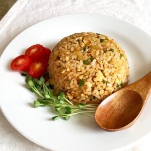 鶏ひき肉と玉ねぎピーマンのカレー炒飯♡