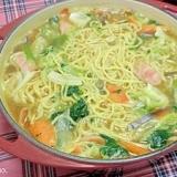 肉野菜の煮込みラーメン