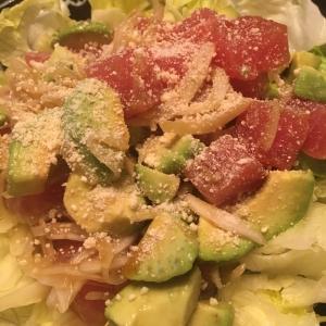 新玉ねぎとマグロアボカドサラダ