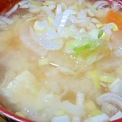 ねぎたっぷり★豆腐と根菜の味噌汁