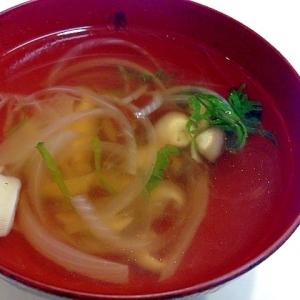 玉ねぎたっぷり入れて☆簡単中華スープ