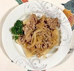 豚肩ロースしゃぶしゃぶ用、玉葱、長芋の炒め物