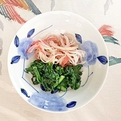 春菊と風味かまぼこの和え物