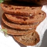 自家製酵母の全粒粉レーズンパン