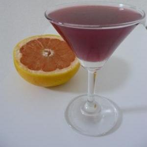 グレープフルーツとワインのカクテル