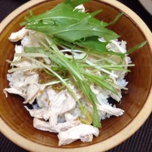 台湾の家庭料理、鶏胸肉のチーロー飯風!