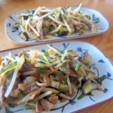 ナスと韮と豚肉と人参と玉葱の辣油醬油生姜グリル