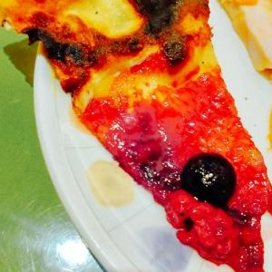 甘酸っぱいべりーピザ