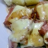 豚ひれ肉のソテー(ベーコン、チーズ載せ)