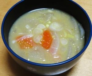こっくりコクのあるサツマイモ汁☆暖まります