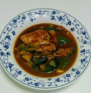 鶏モモ肉となすの中華煮込み