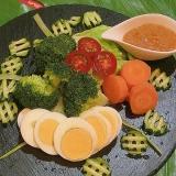 温野菜のガドガドサラダ