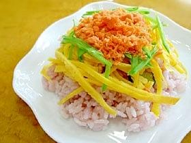紅色チラシ寿司