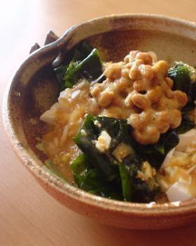 くずし豆腐と納豆の味噌ドレサラダ