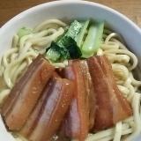 三枚肉と小松菜のソーキソバ