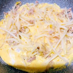 卵ともやしとひき肉炒め