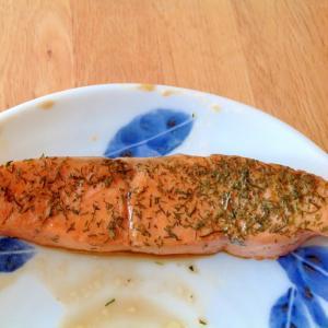 生鮭のディルウィード風味の照り煮