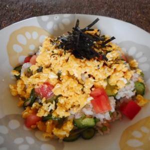 しめサバとトマトの雑穀ご飯寿司