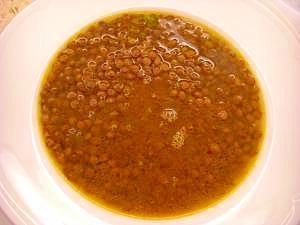 もっと食べたいレンズ豆と玉ねぎのシンプルスープ