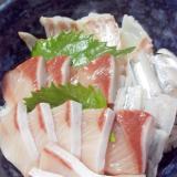 お刺身盛り合わせで簡単海鮮丼!
