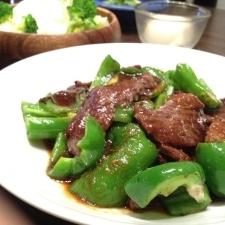 牛肉とピーマン炒め。焼肉のタレで。