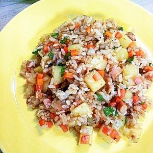 休日のお昼ご飯…炒飯と言うより焼き飯