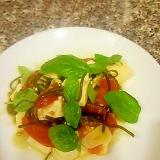 トマトと豆腐の切り昆布炒め