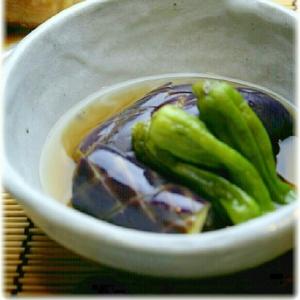 レンジで簡単☆茄子とししとうがらしの煮浸し