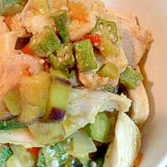 塩麹漬け鳥ムネ肉のオクラ和えマスタード風味