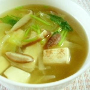 豆腐、キャベツ、しいたけのスープ