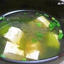 簡単☆豆腐とわかめのお吸い物