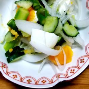 新玉ねぎとたまごのサラダ