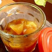 ちょっとしなびかけたリンゴで煮りんご