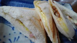 納豆チーズ…ホットサンド