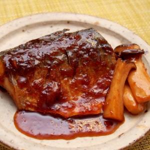 ご飯に合う!簡単こってり鯖のにんにくしょうが焼き