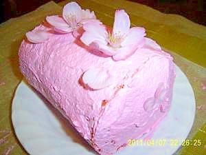 桜満開!本物の桜で飾り付け。サクラ・ロールケーキ