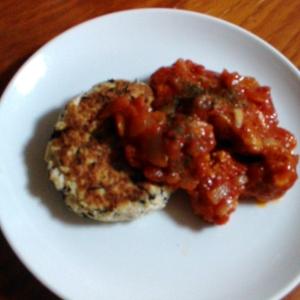 豆腐ハンバーグと鶏のトマト煮込みをワンプレートで!