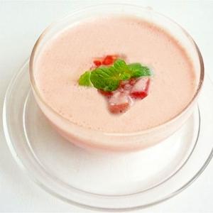 トマトとヨーグルトの冷製スープ
