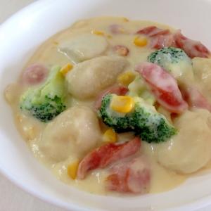 ホワイトソースで☆ウインナーと里芋のクリーム煮