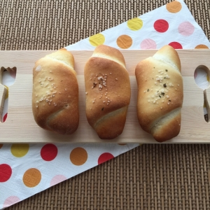 手ごねパン①☆シンプル塩ぱん