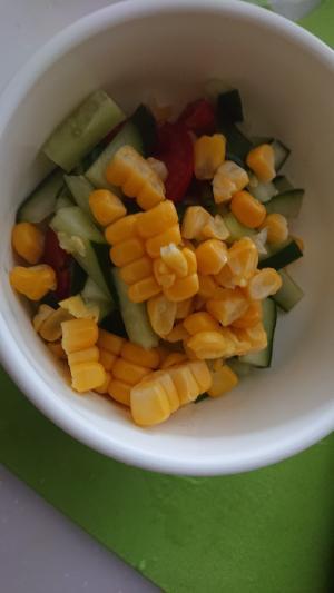 茹でとうもろこしで簡単サラダ