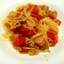しめじとトマトとソーセージのスパゲッティ