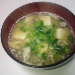 マイタケと豆腐のみそ汁