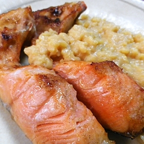 鮭カマの醤油マッシュポテト添え